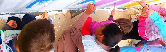 Juntos damos color al cole, una iniciativa del CEIP Vicálvaro de Madrid