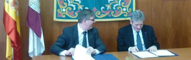 Marcial Marín, Consejero de Cultura de Castilla-La Mancha, y Enrique Barón, Presidente de la FYME