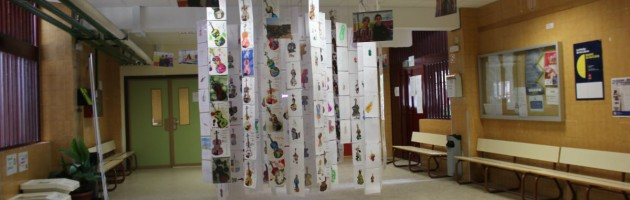 Exposición itinerante Violines por la Paz, en Leganés