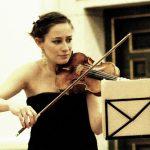 La violinista Carole Petitdemange cerró el concierto con Beethoven.