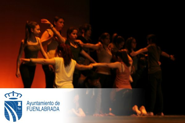 Actuación de los niños y niñas de los centros públicos de Fuenlabrada en el Día de África.