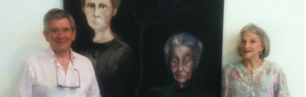 Enrique Barón y Zamira Menuhin con el cuadro 'Marie Curie - Rita Levi Montalcini'