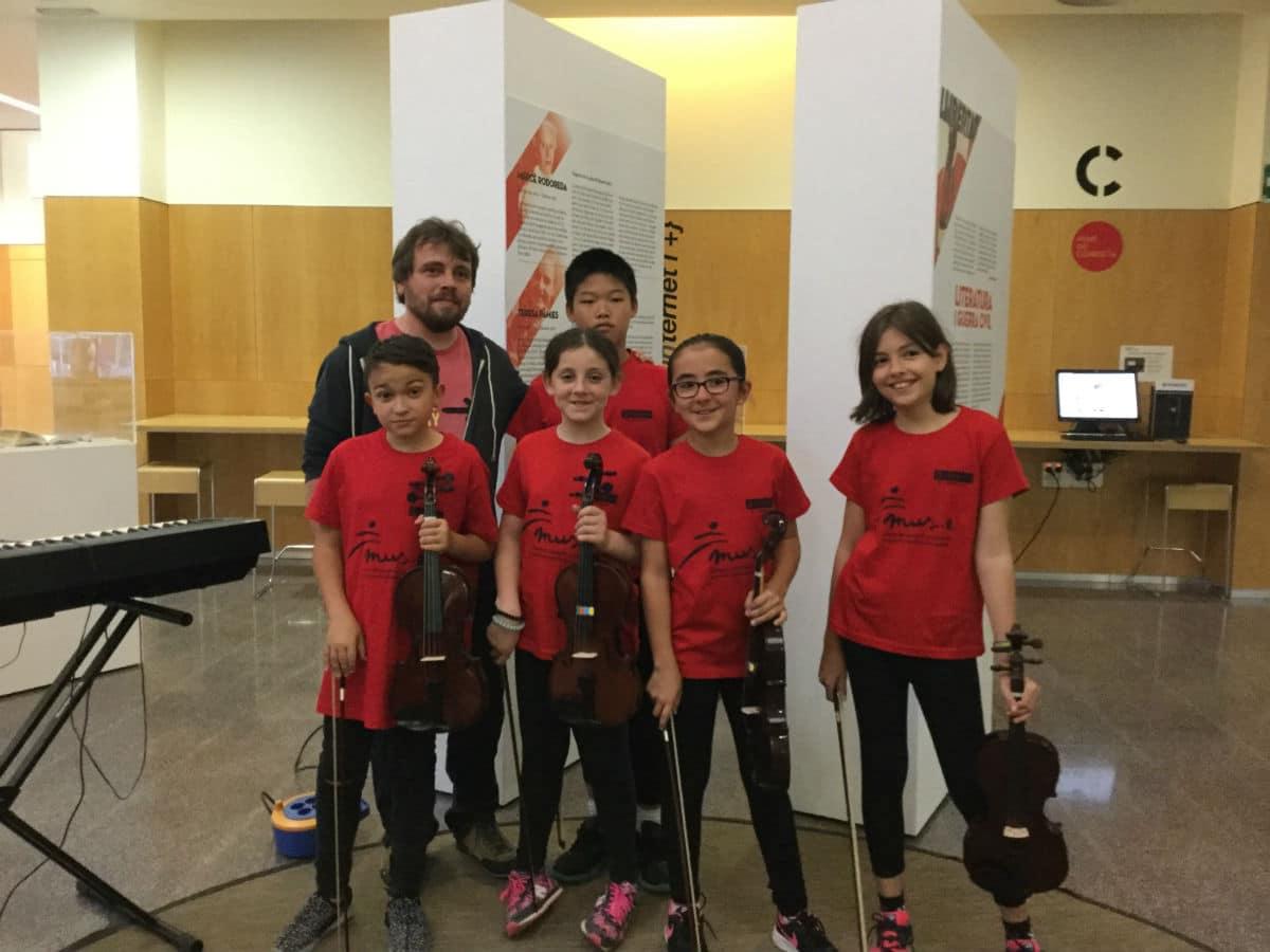 Grupo '5 violines', de la Escola Pepa Colomer.