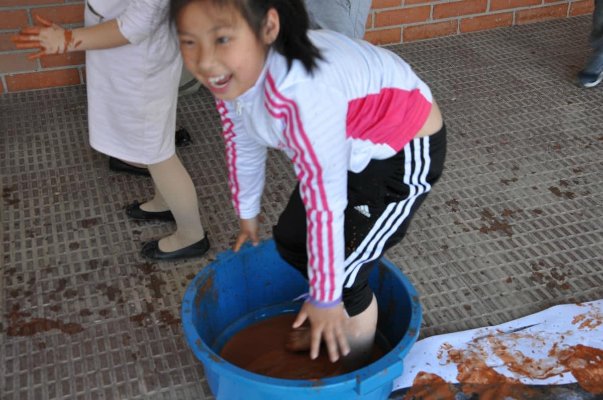 Día MUS-E con familias en la Escola Pepa Colomer.