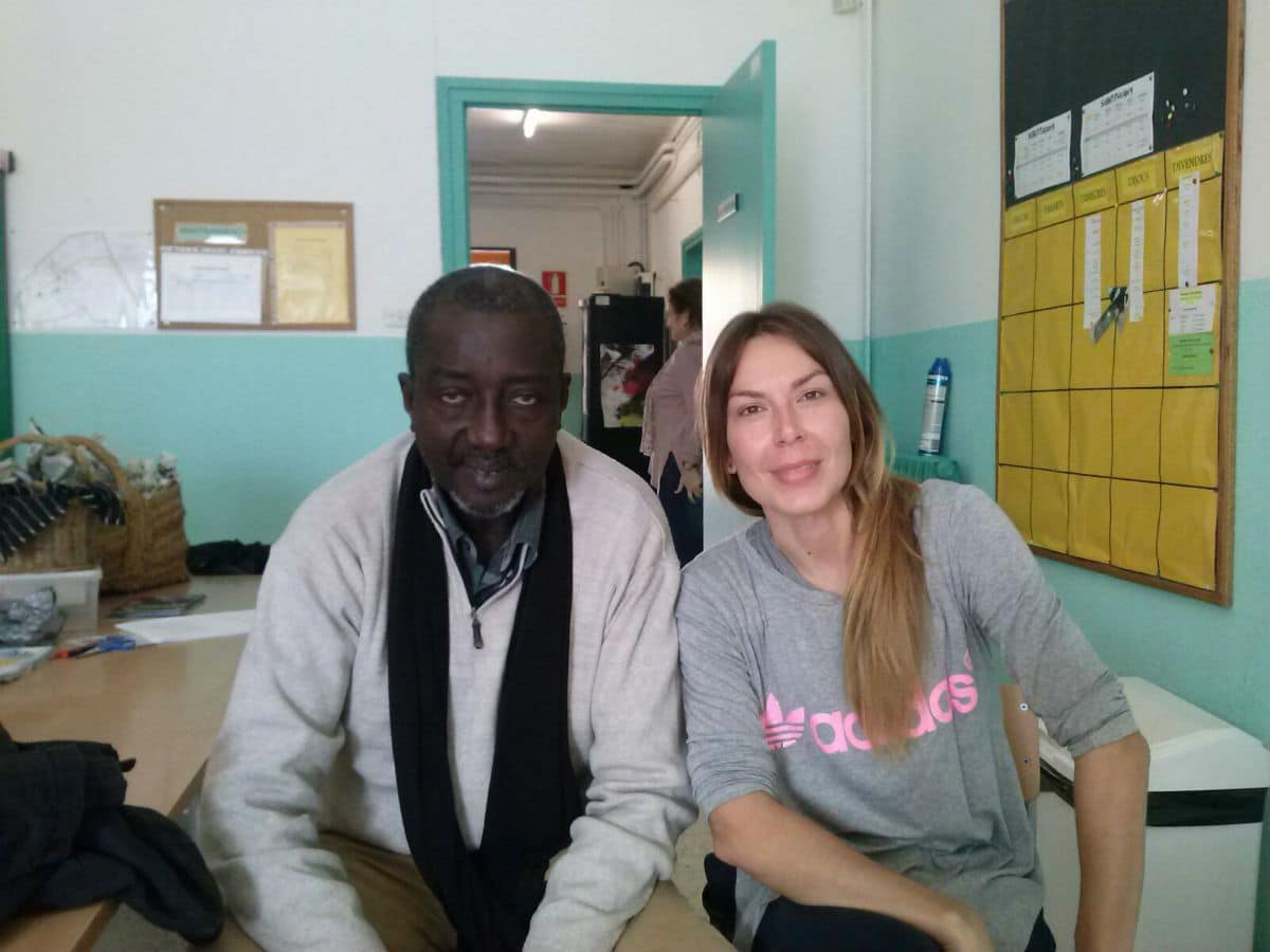 Profesor Sene (izquierda) en la Escola Joan Maragall de Sabadell
