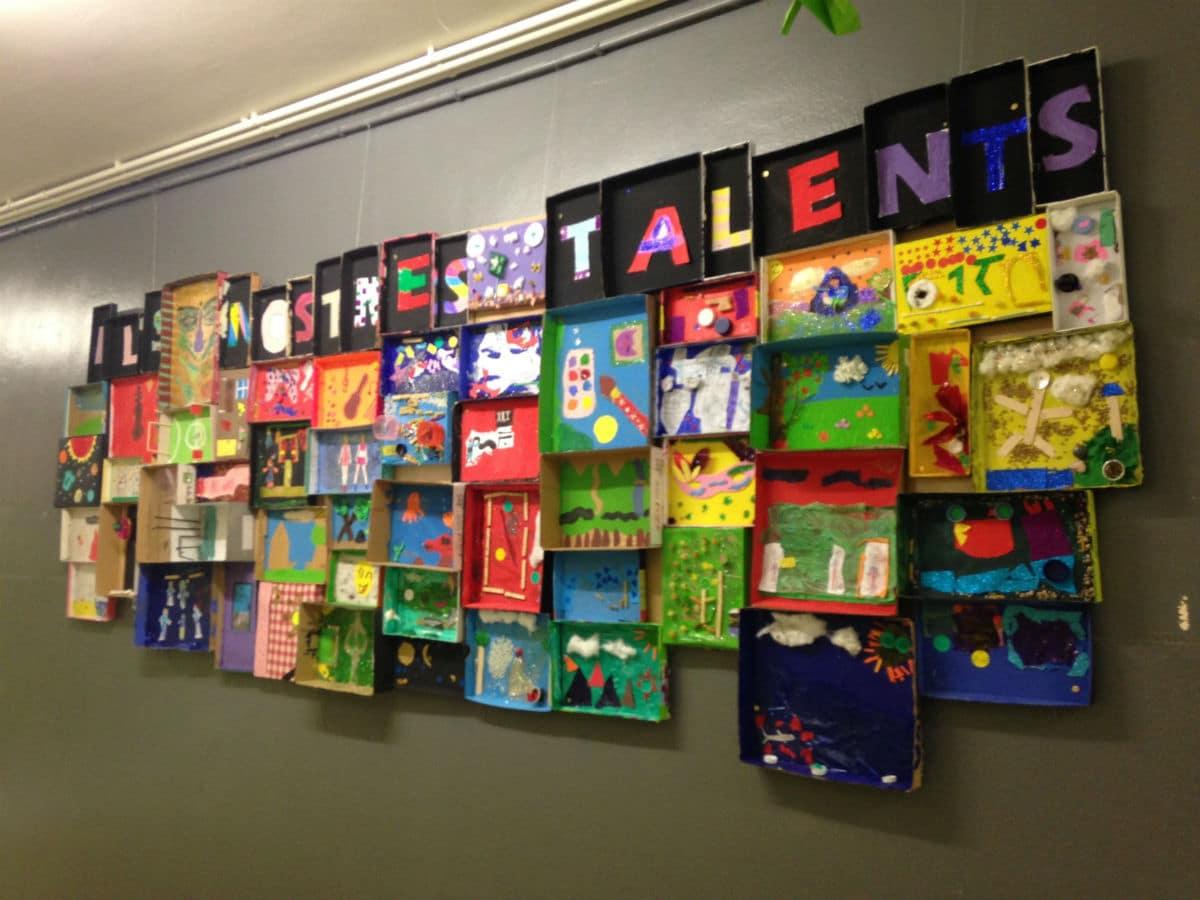 Mural 'Els nostres talents', en la Escola Pepa Colomer.