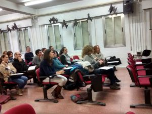 Una veintena de docentes del IES La Senda asistieron a esa formación.