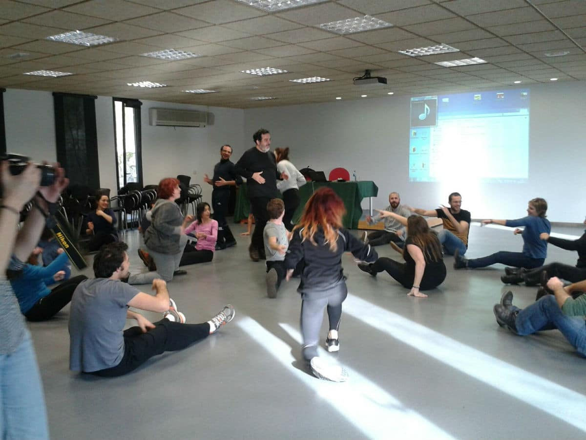 Sesión de formación a través del arte en el XV Encuentro Convin-Arte