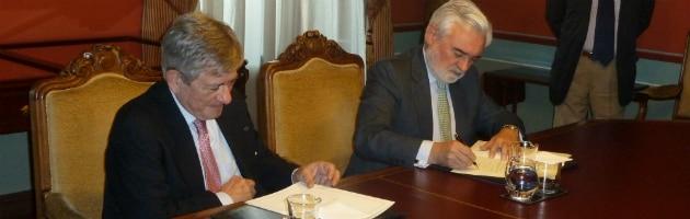 Enrique Barón, Presidente de la FYME, y Darío Villanueva, Director de la RAE