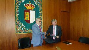Ángel Felpeto, Consejero de Educación de Castilla-La Mancha, y Enrique Barón, Presidente de la FYME