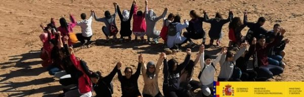 El IES Rusadir se une en la playa de San Lorenzo contra la violencia machista