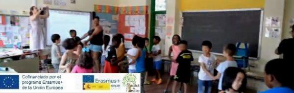 Escuela de Familias de Fuenlabrada: los papás y las mamás de los centros se convierten en profesores y profesoras para transmitir su cultura y sus danzas tradicionales