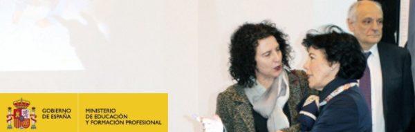 La ministra de Educación, Isabel Celaá, comparte unos minutos con el Programa MUS-E en su visita a AULA 2019