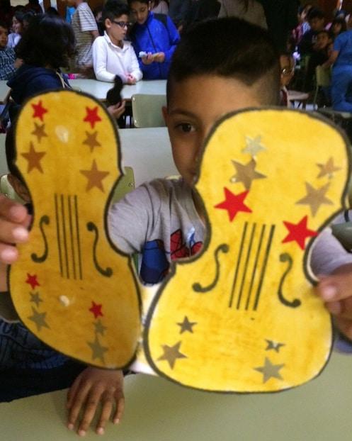 Violines por la Paz de la Escola Eduard Marquina de Barcelona