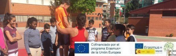 'Escuela de Familias': Talleres de acrobacia para el trabajo de la confianza y los Derechos Humanos