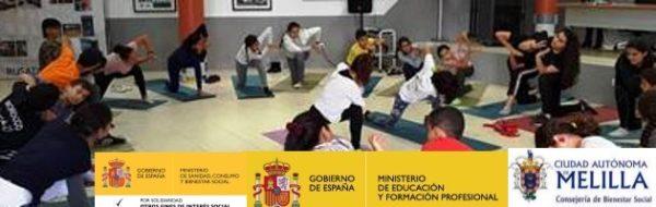 Maribel Landeira y Yoga en el IES Rusadir