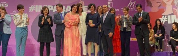 Inmaculada Haro, artista de la FYME, premiada por la Junta de Comunidades de Castilla- La Mancha por su labor para visibilizar el papel de la mujer en el Arte