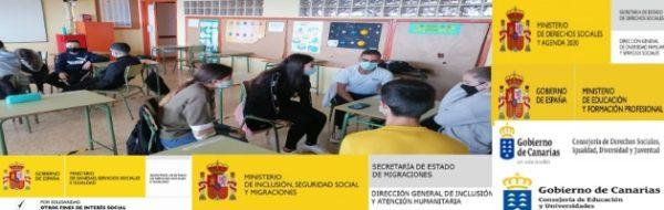 Expresión oral para reinventarnos en el CEO La Pared: trabajamos con los móviles los doblajes de escenas