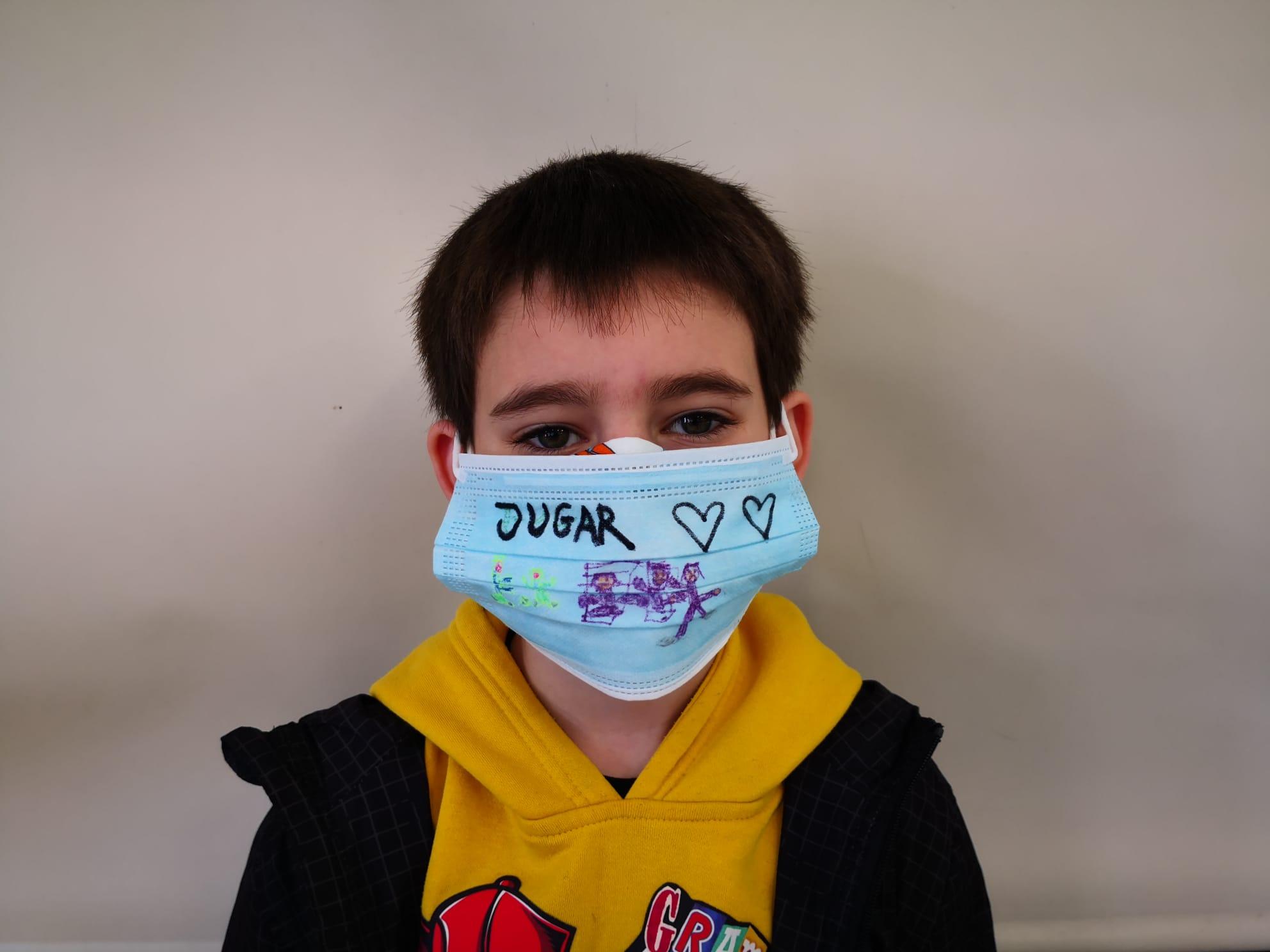 Mask 25