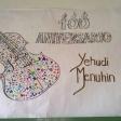 Violín por la Paz viajero pintado por los niños y niñas de centros MUS-E Madrid.